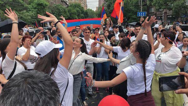 Час пробил: Никол Пашинян стал премьером. - Sputnik Армения