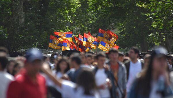 Улица Вазгена Саркисяна после выбора Никола Пашиняна премьер-министром Армении (8 мая 2018). Еревaн - Sputnik Արմենիա