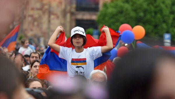 Площадь Республики после выбора Никола Пашиняна премьер-министром Армении (8 мая 2018). Еревaн - Sputnik Արմենիա