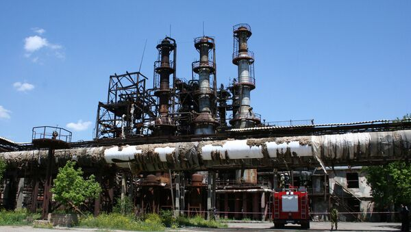 Пожар на каучуковом заводе Наирит в Ереване - Sputnik Արմենիա