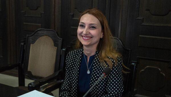 Министр культуры Армении Лилит Макунц на заседании правительства (17 мая 2018). Еревaн - Sputnik Армения