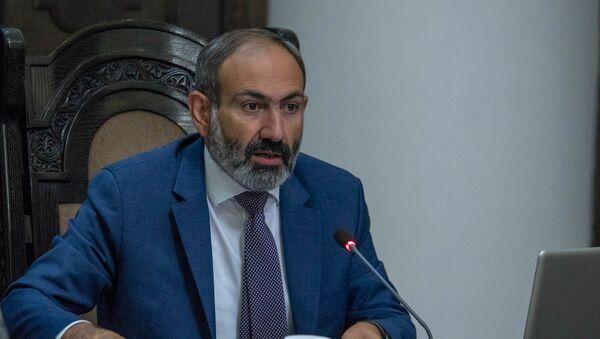 Премьер-министр Армении Никол Пашинян на заседании правительства (17 мая 2018). Еревaн - Sputnik Армения