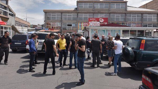 Протест предпринимателей за снижение арендной платы ТЦ Сурмалу (21 мая 2018). Еревaн - Sputnik Արմենիա