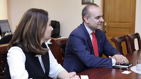 Посол Италии в РА посетил постоянную комиссию по вопросам европейской интеграции НС Армении (21 мая 2018). Еревaн - Sputnik Արմենիա