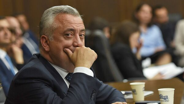 Председатель Центрального банка Армении Артур Джавадян в парламенте (29 мая 2018). Еревaн - Sputnik Армения