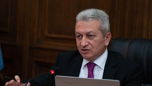 Министр финансов Армении Атом Джанджугазян в парламенте (29 мая 2018). Еревaн - Sputnik Արմենիա
