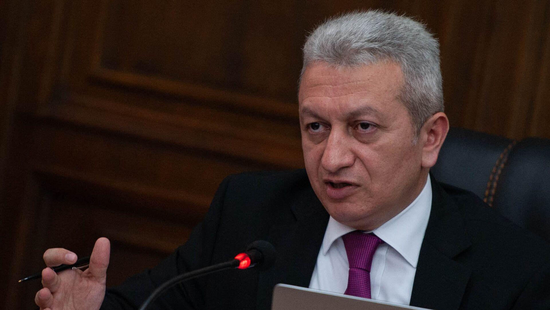 Министр финансов Армении Атом Джанджугазян в парламенте (29 мая 2018). Еревaн - Sputnik Արմենիա, 1920, 30.06.2021