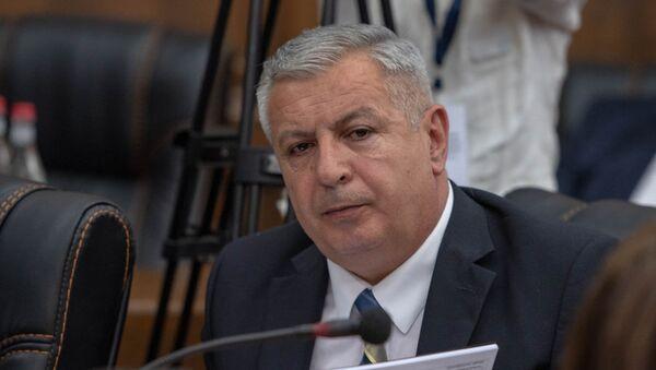 Депутат от фракции Царукян Сергей Багратян в парламенте (29 мая 2018). Еревaн - Sputnik Армения