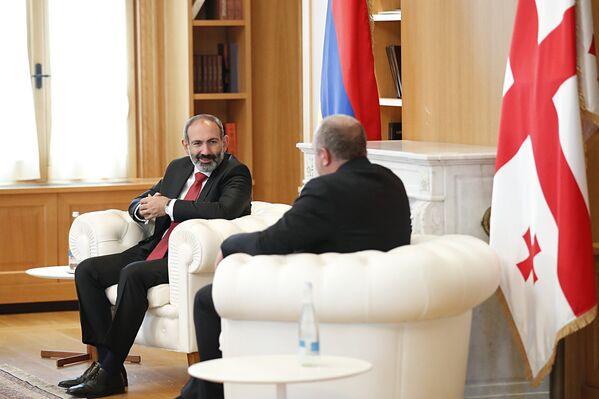 Հայաստանի վարչապետ Նիկոլ Փաշինյանը հանդիպել է Վրաստանի նախագահ Գեորգի Մարգվելաշվիլիի հետ (2018թ–ի մայիսի 30)։ Թբիլիսի - Sputnik Արմենիա
