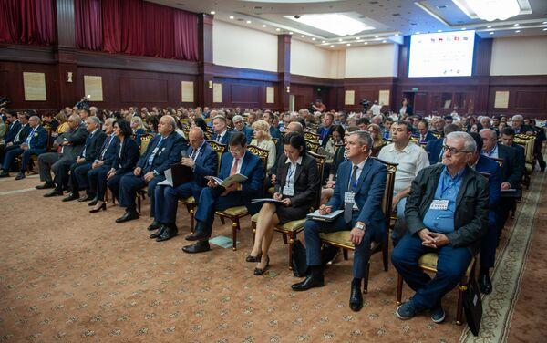 Ежегодный бизнес форум ЕАЭС Армения - сотрудничество (2 июня 2018). Цахкадзор - Sputnik Армения
