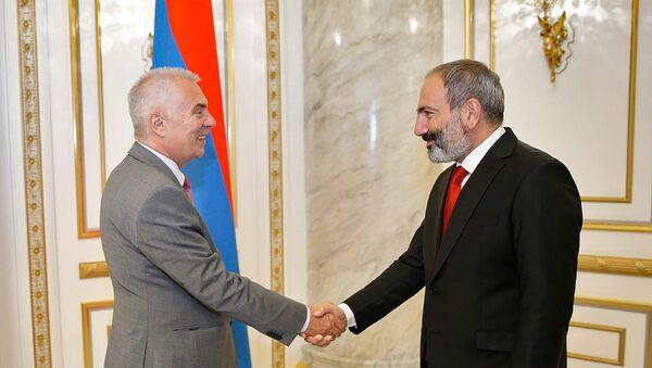 Премьер-министр Армении Никол Пашинян принял главу делегации ЕС Петра Свитальски (5 июня 2018). Еревaн - Sputnik Армения