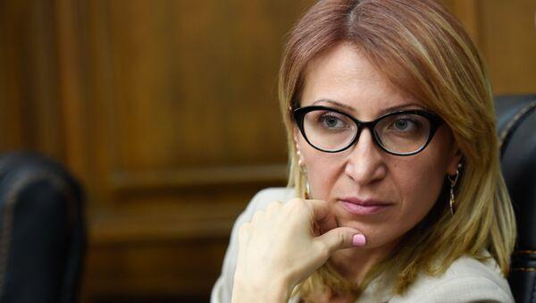 Министр труда и социальных вопросов Армении Мане Тандилян в парламенте (5 июня 2018). Еревaн - Sputnik Արմենիա