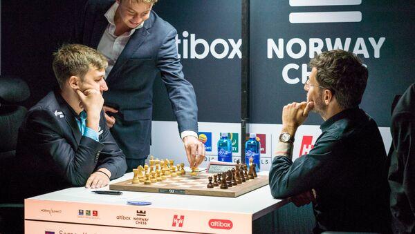 Партия Левон Аронян Сергей Карякин в турнире Altibox Norway Chess 2018 (5 июня 2018). Ставангер, Норвегия - Sputnik Армения