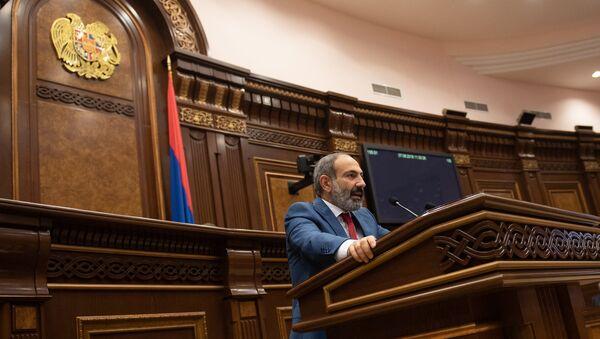 Премьер-министр Армении Никол Пашинян в Парламенте (7 июня 2018). Еревaн - Sputnik Արմենիա