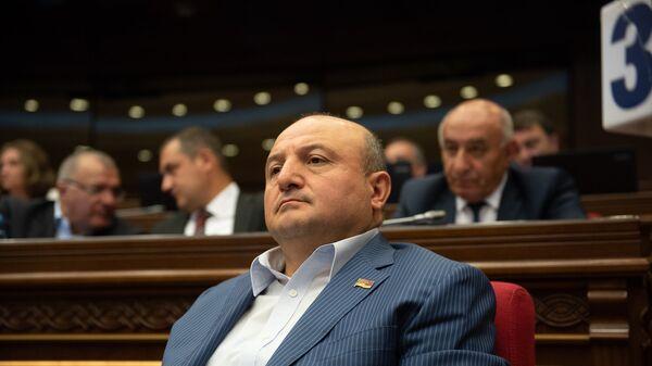 Депутат от фракции Царукян Вардан Гукасян на внеочередном заседании НС (7 июня 2018). Еревaн - Sputnik Արմենիա