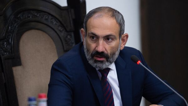Премьер-министр Армении Никол Пашинян на заседании правительства (8 июня 2018). Еревaн - Sputnik Армения