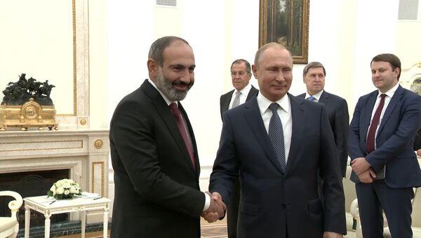 В Москве прошла встреча Владимира Путина с Николом Пашиняном - Sputnik Армения
