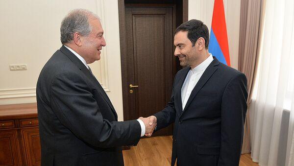 Президент Армен Саркисян принял чрезвычайного и полномочного посла Ирана в Армении Сееда Казема Саджади (15 июня 2018). Еревaн - Sputnik Армения