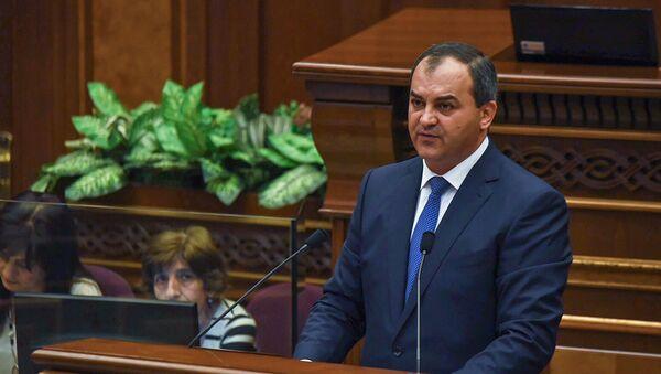 Главный прокурор Армении Артур Давтян на внеочередном заседании НС (19 июня). Еревaн - Sputnik Армения