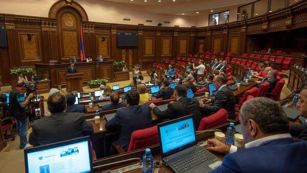 Внеочередное заседание Национального Собрания Армении (19 июня 2018). Еревaн - Sputnik Արմենիա