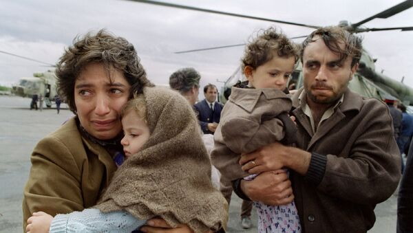 Семья армянских беженцев из Азербайджанской ССР - Sputnik Արմենիա