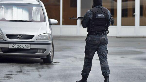Полиция Армении проводит обыск в офисе Еркрапа (20 июня 2018). Еревaн - Sputnik Армения