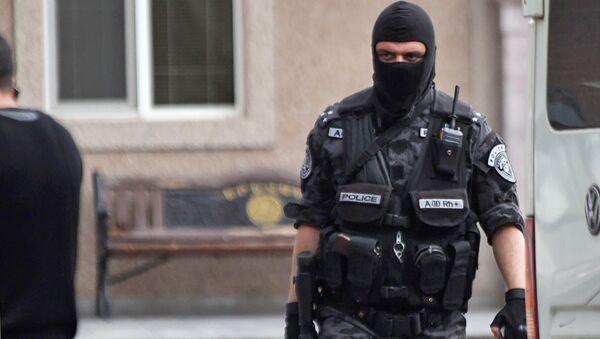 Полиция Армении проводит обыск в офисе Еркрапа (20 июня 2018). Еревaн - Sputnik Արմենիա