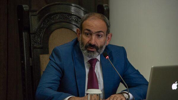 Премьер-министр Армении Никол Пашинян на заседании правительства (21 июня 2018). Еревaн - Sputnik Արմենիա
