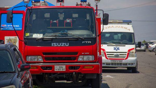 Автомобили пожарной службы и скорой медицинской помощи - Sputnik Армения