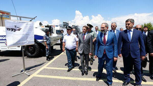 Премьер-министр Армении Никол Пашинян принял участие на торжествах по случаю 26-летия образования полицейских войск (21 июня 2018). Еревaн - Sputnik Армения