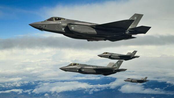 Истребители-бомбардировщики пятого поколения F-35 - Sputnik Армения