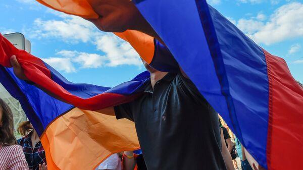 Армянский патриотический вечер на Никольской улице (2 июля 2018). Москвa - Sputnik Արմենիա
