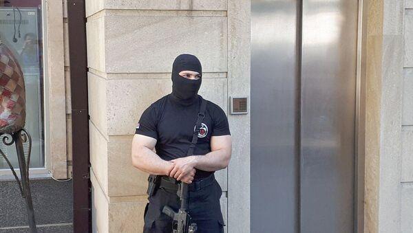Сотрудники СНБ проводят обыск в доме Александра Саргсяна (4 июля 2018). Еревaн - Sputnik Արմենիա