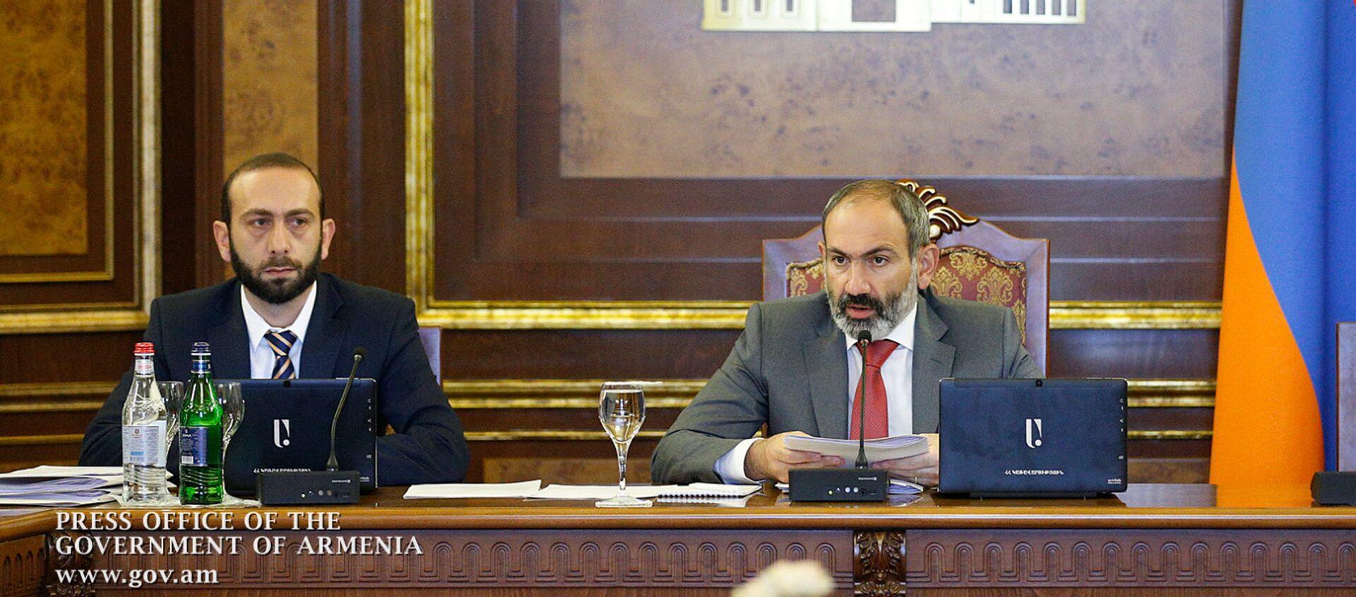 Заседание правительства Армении (4 июля 2018). Ереваn - Sputnik Արմենիա, 1920, 18.08.2021