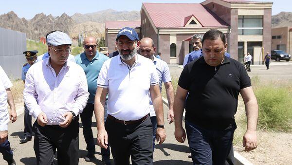 Никол Пашинян посетил свободную экономическую зону в Мегри - Sputnik Армения