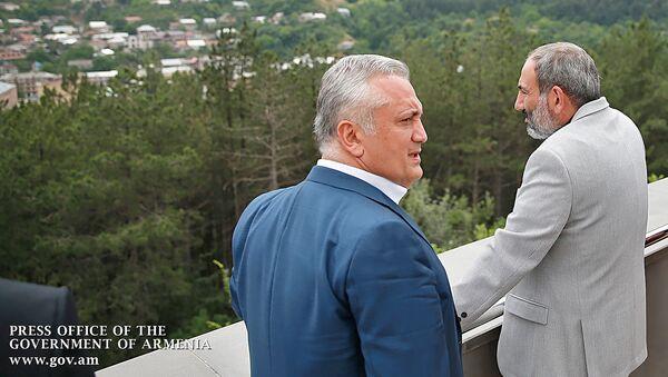 Премьер-министр Армении Никол Пашинян посетил учебно-исследовательский центр Центрального банка (7 июля 2018). Дилижан - Sputnik Արմենիա