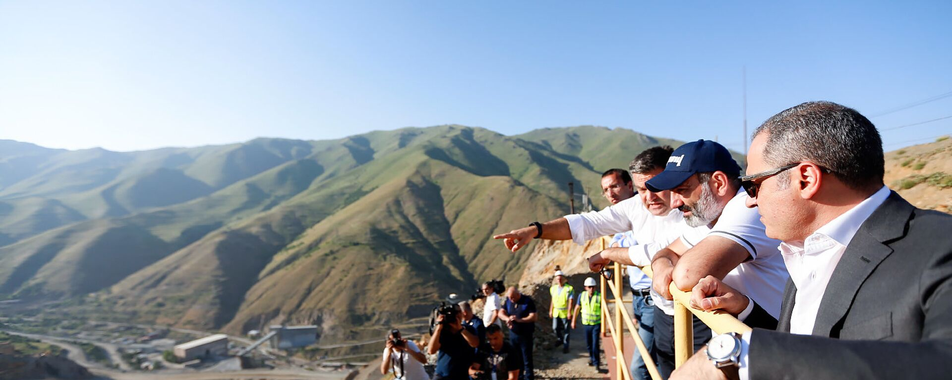 Премьер-министр Армении Никол Пашинян посетил Зангезурский медно-молибденовый комбинат (5 июля 2018). Каджаран - Sputnik Армения, 1920, 15.07.2021