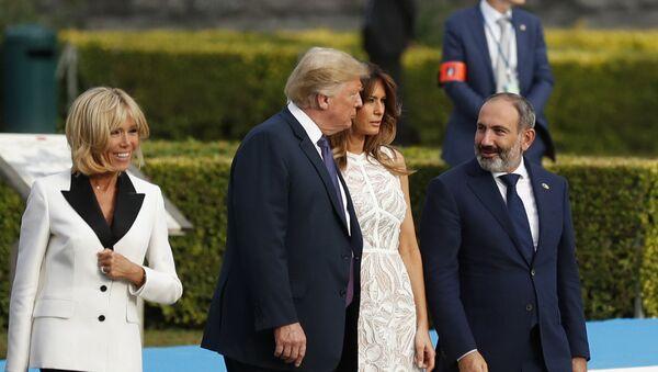 Премьер-министр Армении Никол Пашинян, Президент и Первая леди США Дональд и Меланья Трамп перед ужином стран-партнеров НАТО (11 июля 2018). Брюссель - Sputnik Արմենիա