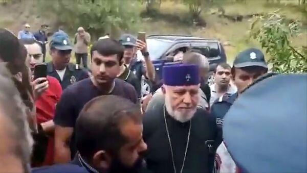 Акция протеста против католикоса Гарегина II - Sputnik Армения