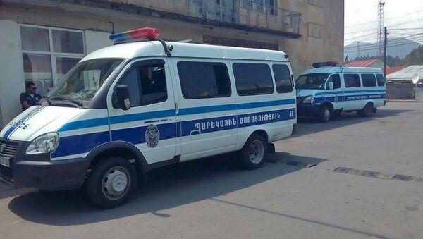 Полицейские автомобили в Дилижане - Sputnik Արմենիա