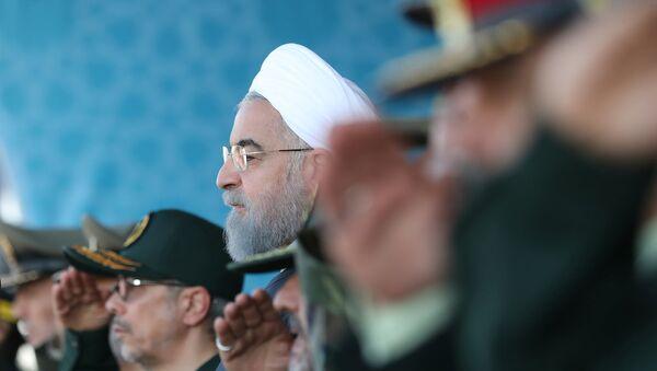 Президент Ирана Хасан Роухани на ежегодном военном параде (22 сентября 2017). Тегеран, Иран - Sputnik Армения