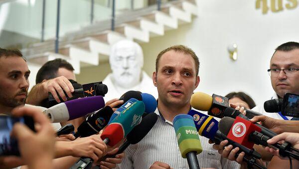 Адвокат Мигран Погосян в здании суда Первой инстанции административного района Шенгавит (27 июля 2018). Еревaн - Sputnik Արմենիա