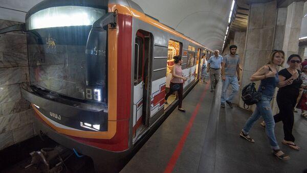 Новый дизайн вагонов ереванского метрополитена - Sputnik Արմենիա