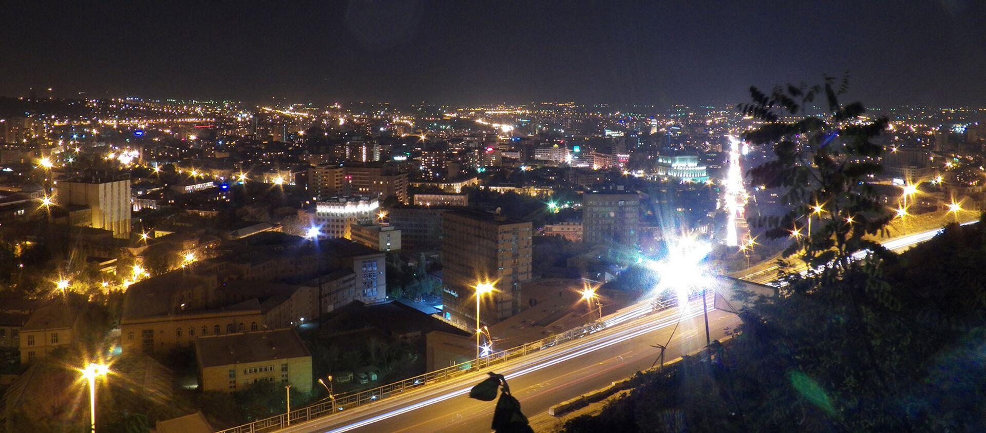 Ночная панорама Еревана - Sputnik Արմենիա, 1920, 13.02.2021