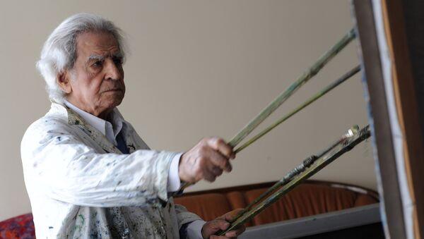 Скульптор и художник Николай Никогосян в своей мастерской. - Sputnik Արմենիա