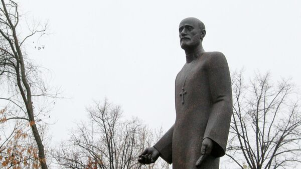 Памятник Комитасу в Камском саду в Петербурге. (скульптор Л. Бейбутян, архитектор М. Атоянц) - Sputnik Армения
