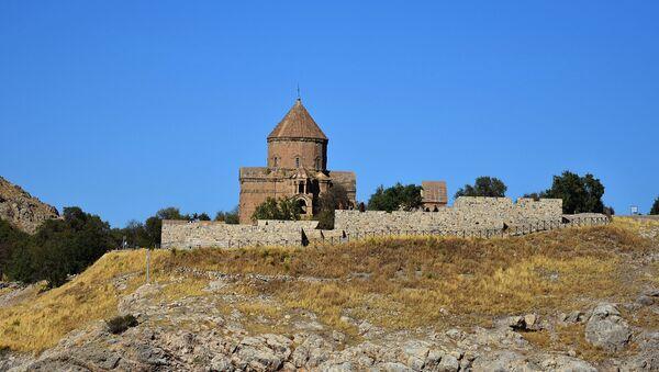Церковь Святого Креста, остров Ахтамар, Турция - Sputnik Армения