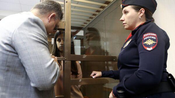 Рассмотрение в Мосгорсуде жалобы на арест сестер Марии, Крестины и Ангелины Хачатурян, обвиняемых в убийстве отца (20 августа 2018). Москвa - Sputnik Армения