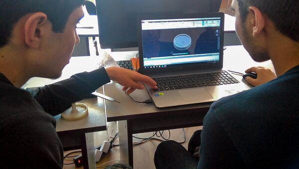 Школьная инженерная лаборатория ArMath города Иджеван - Sputnik Արմենիա