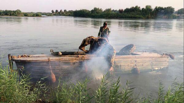 Сирийская армия форсировала реку Ефрат в районе Дейр-эз-Зора - Sputnik Армения
